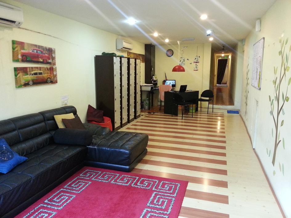 living-room-serenity-hostels
